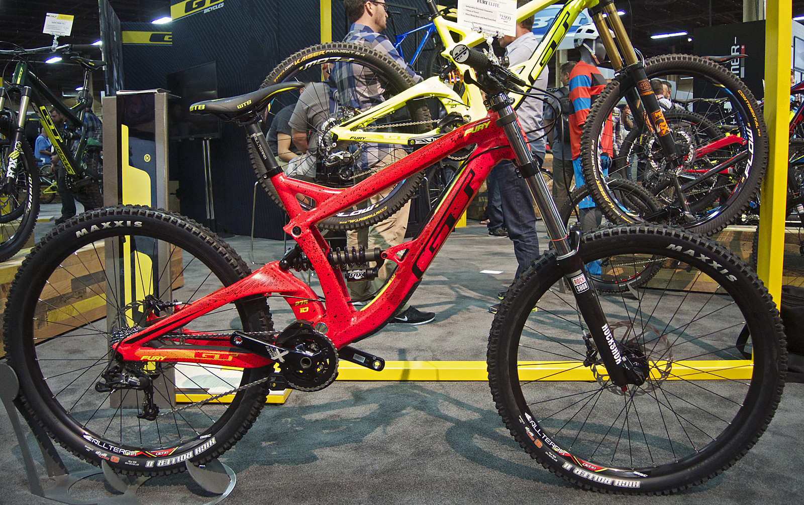 09f7dd51b06 2016 GT Fury Elite DH Bike - 2016 Downhill Bikes at Interbike - Mountain  Biking Pictures - Vital MTB