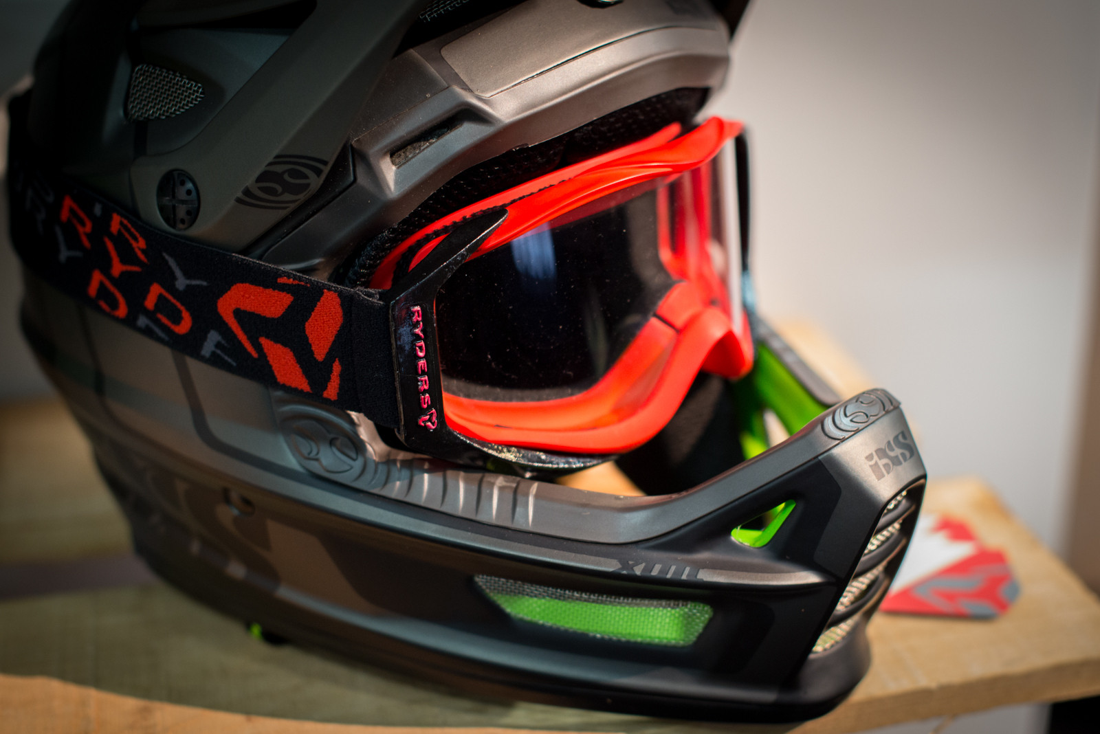 Ryders Eyewear Prototype Googles - 2016 Protective Gear and Apparel at Interbike - Mountain Biking Pictures - Vital MTB