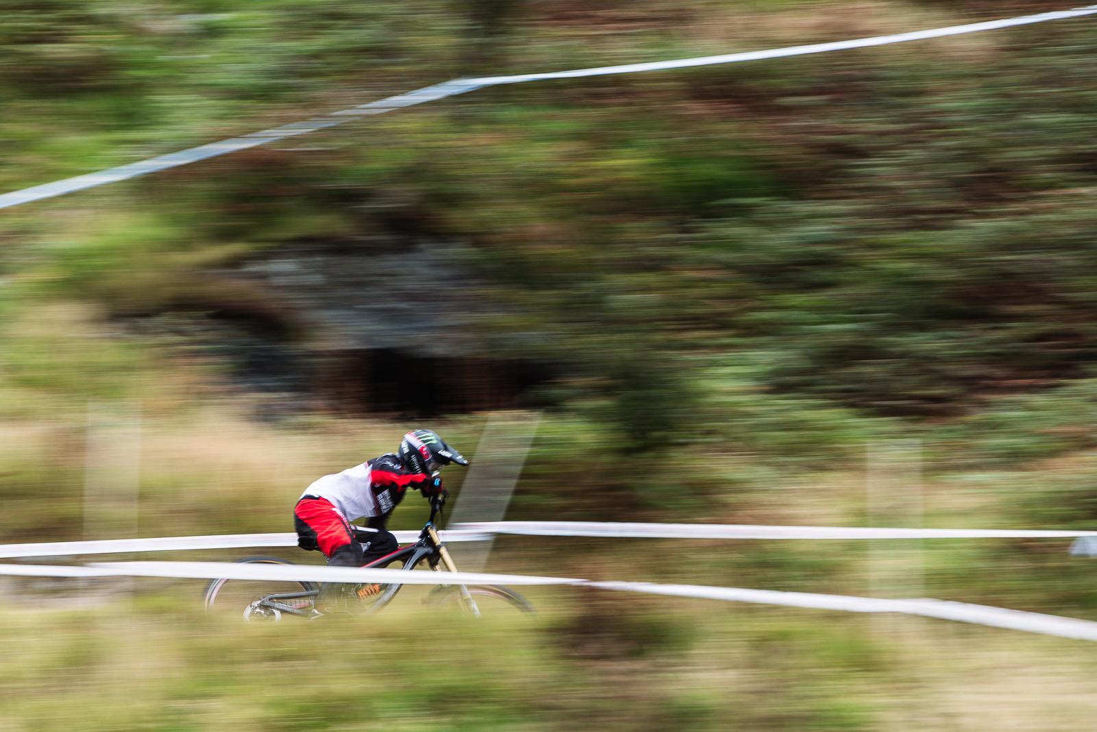 Manon Carpenter - 2015 British Downhill Series Finals - Mountain Biking Pictures - Vital MTB