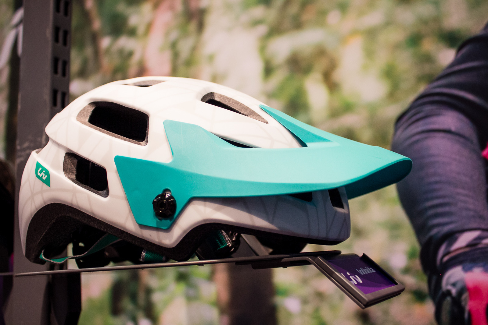 2016 Liv Women's Gear and Apparel - 2016 Women's Bikes and Gear at Interbike - Mountain Biking Pictures - Vital MTB