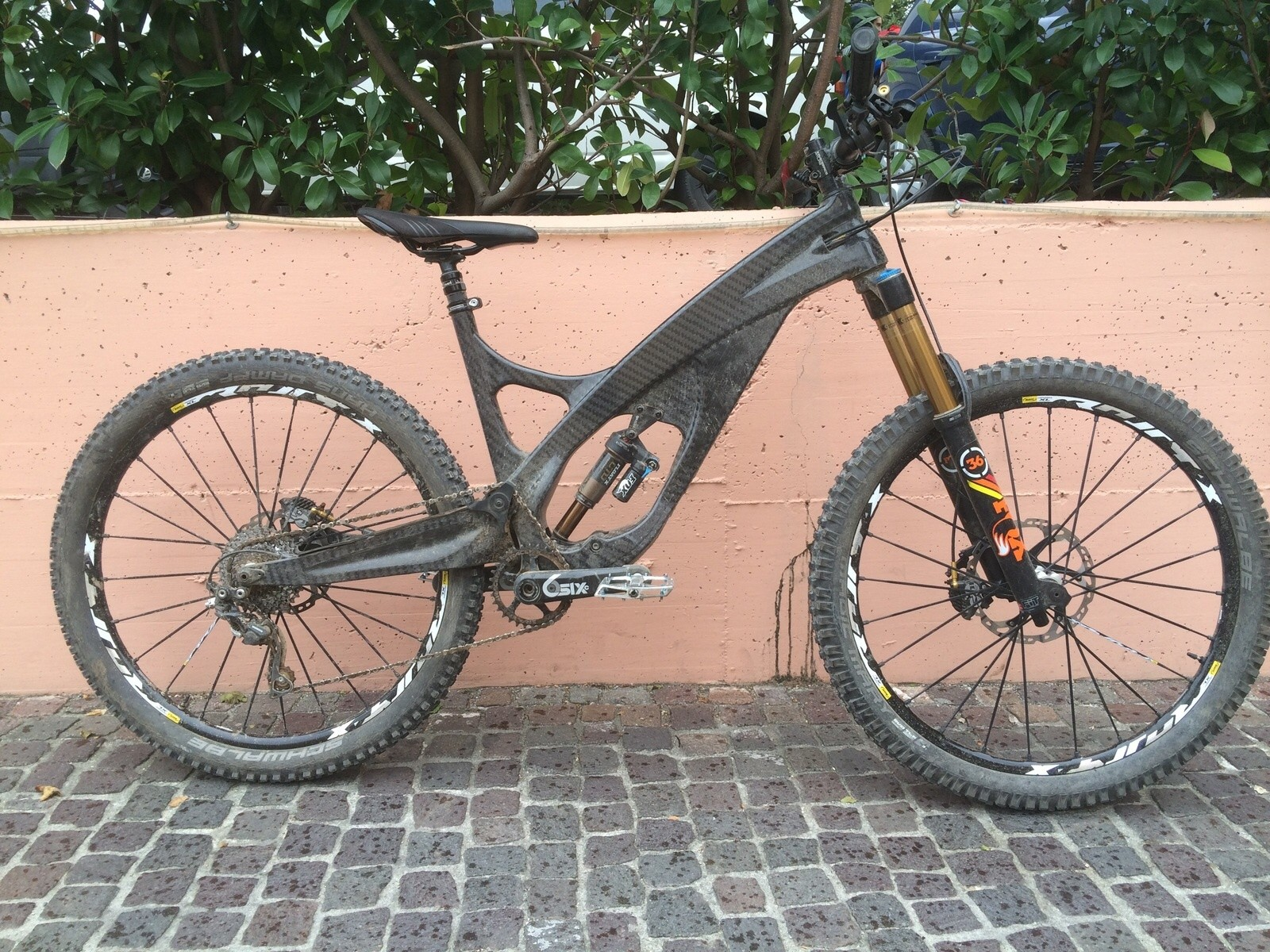 Prototype Carbon Enduro Bike from the UK - Arbr Saker - Prototype Carbon Enduro Bike from the UK - Arbr Saker - Mountain Biking Pictures - Vital MTB