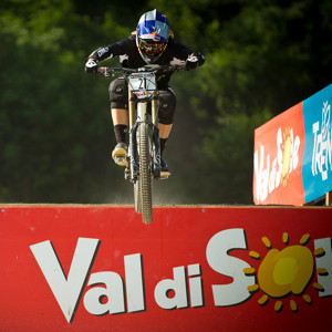 Gwin and Ragot Dominate, 2012 Val di Sole DH Qualifying Action