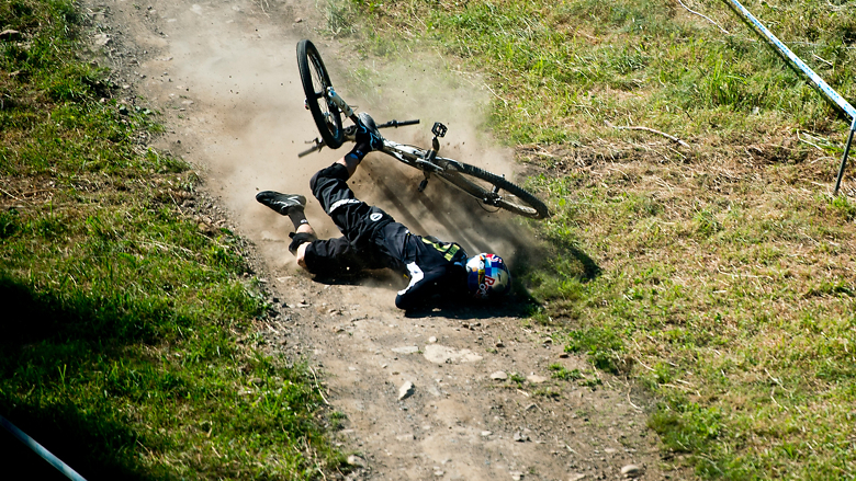 Gee Atherton's Horrible Crash at Mont Sainte Anne 2012