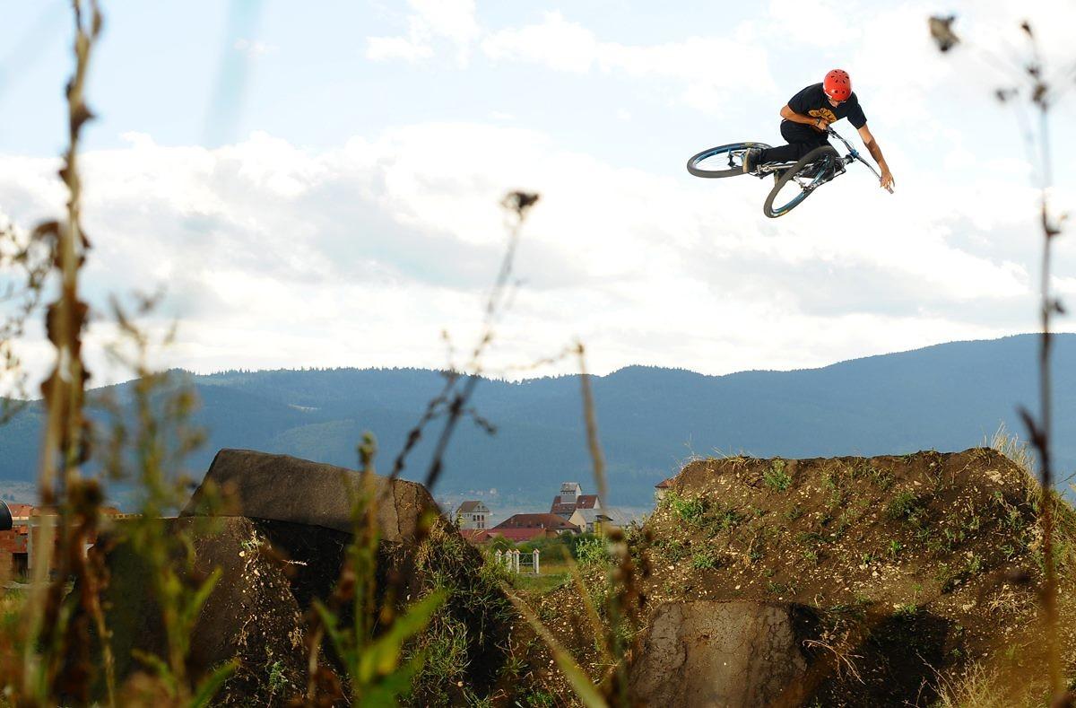 360 Tabletop  - Nándi - Mountain Biking Pictures - Vital MTB