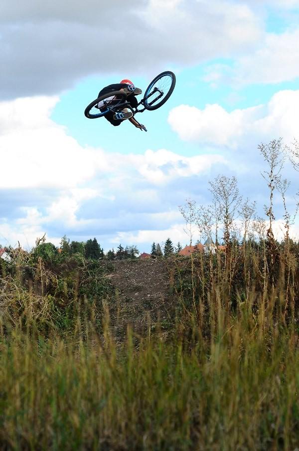 Hip tabletop - Nándi - Mountain Biking Pictures - Vital MTB