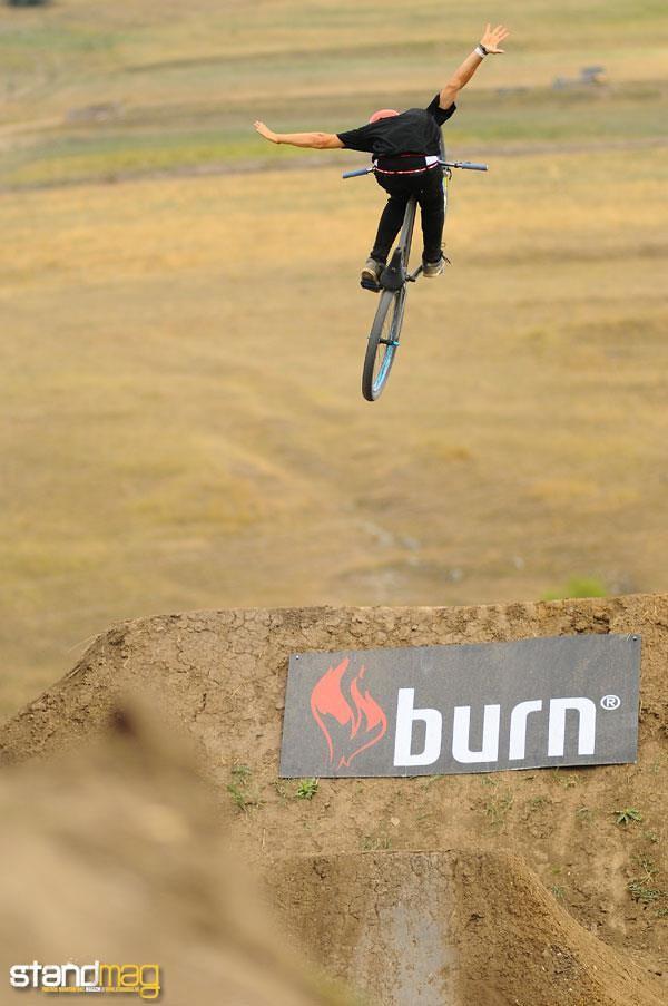 Tuck nohand - Nándi - Mountain Biking Pictures - Vital MTB