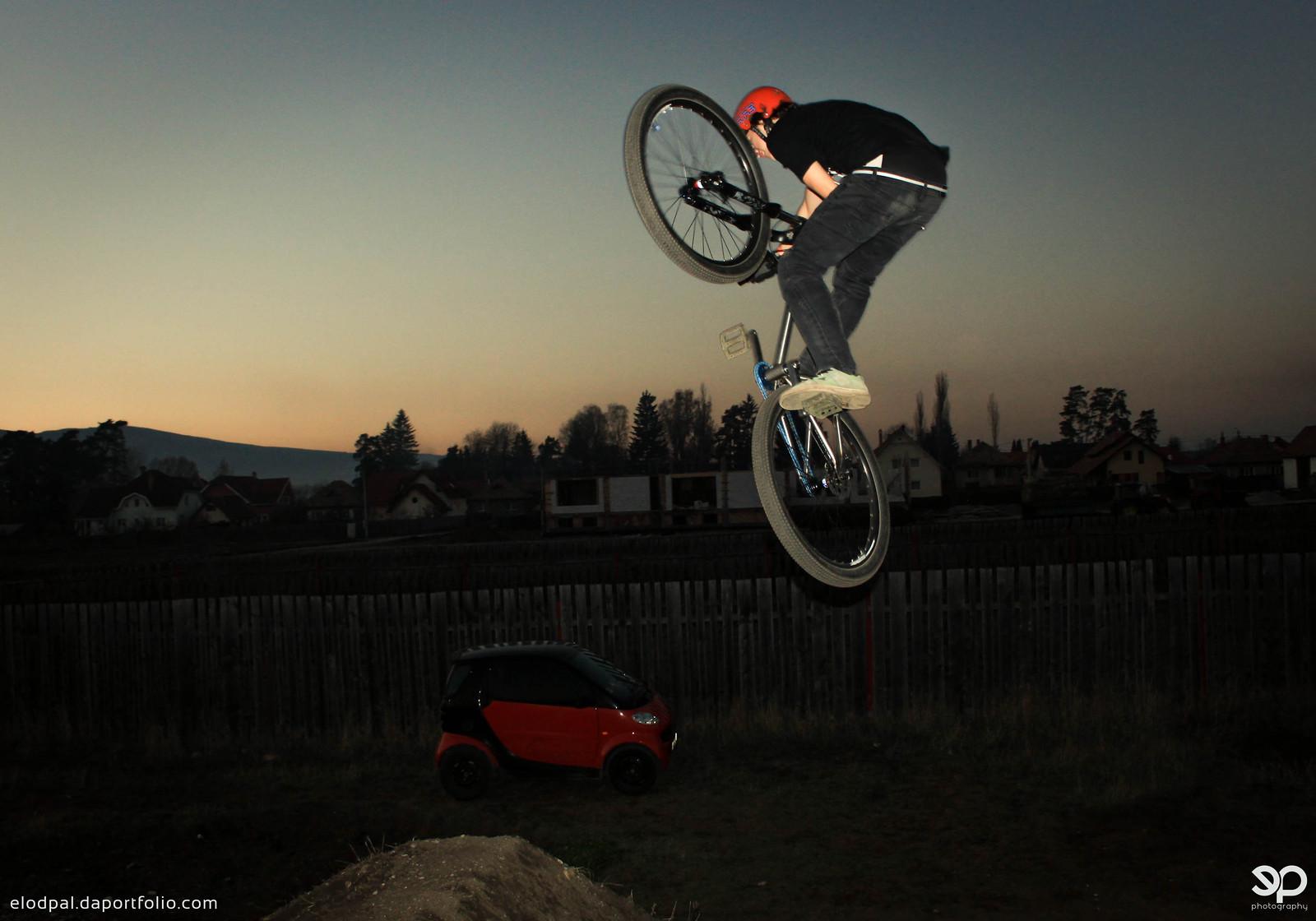 Untd - Nándi - Mountain Biking Pictures - Vital MTB