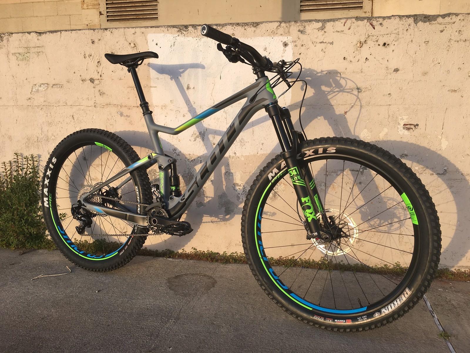 bd48e88071b 2017 Scott Spark 710 Plus - Ellipsis's Bike Check - Vital MTB