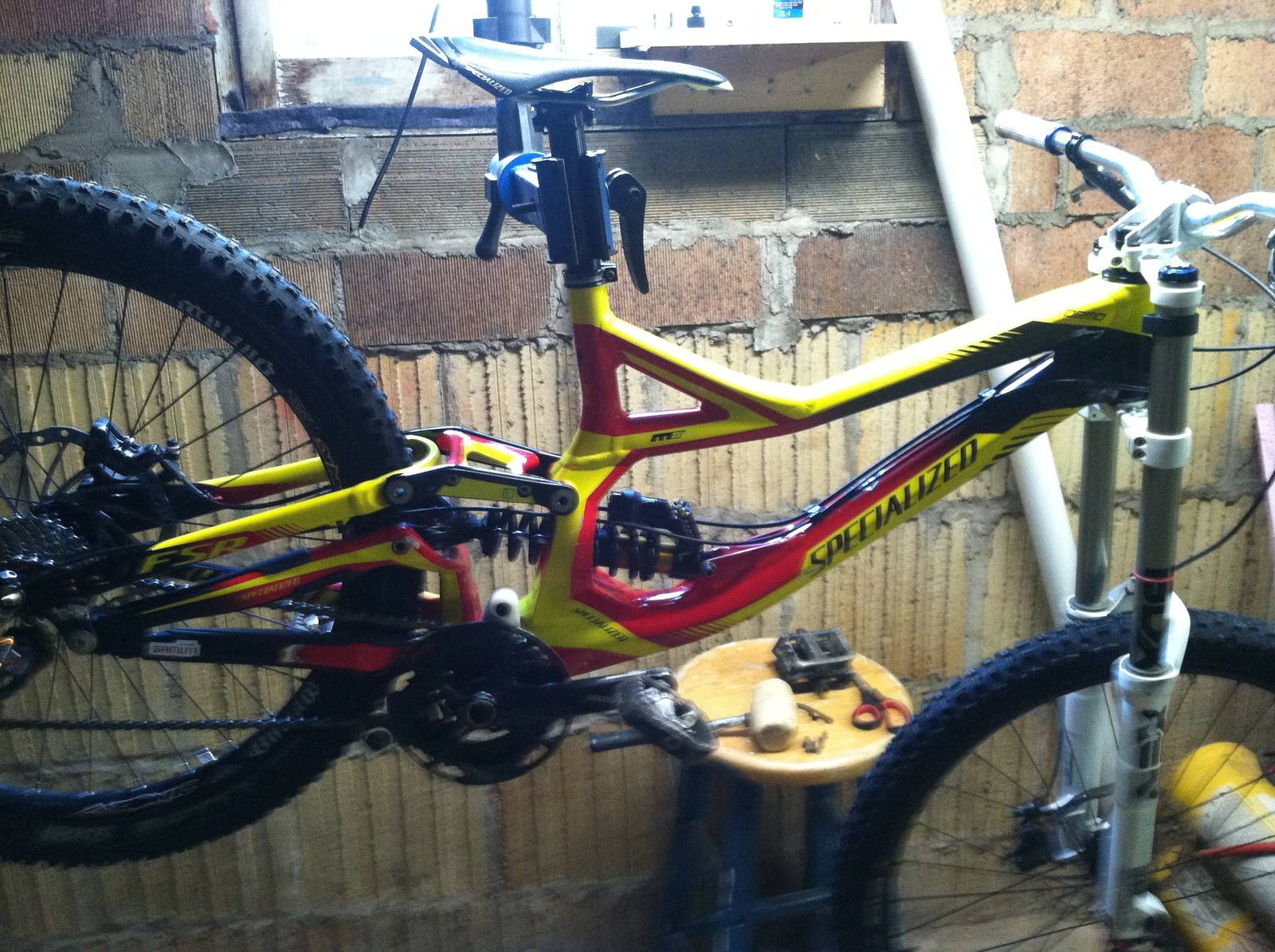 2012 Specialized Demo 8