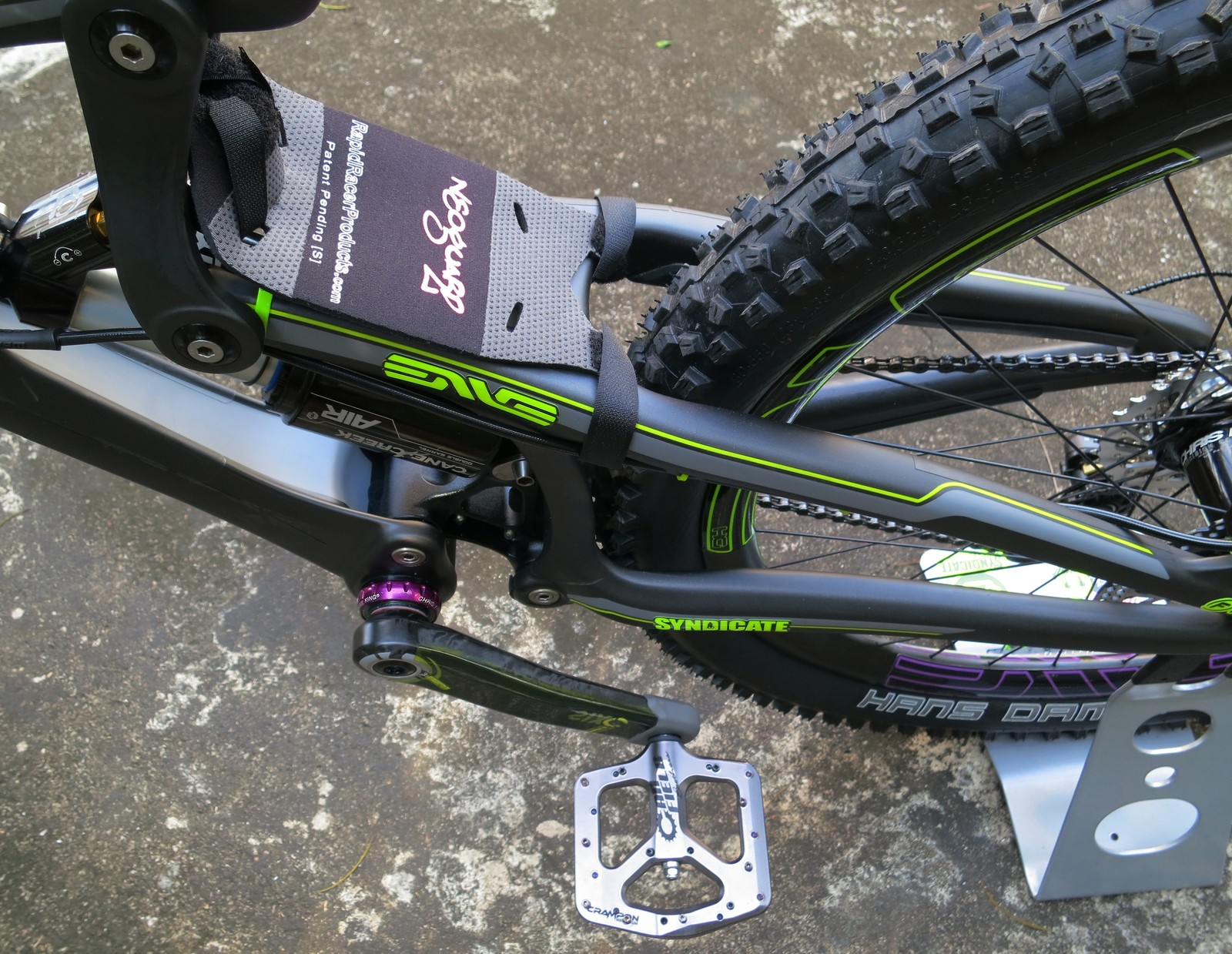 Santa Cruz V10 5 Carbon Bigjohnmtb S Bike Check Vital Mtb