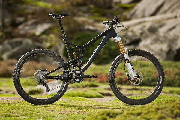 Kross Moon 3.0 - first prototype of Polish Enduro Bike. Custom pipes and own suspension system RVS with adjustable travel (140-160mm) are just some of the advantages of this great machine.
