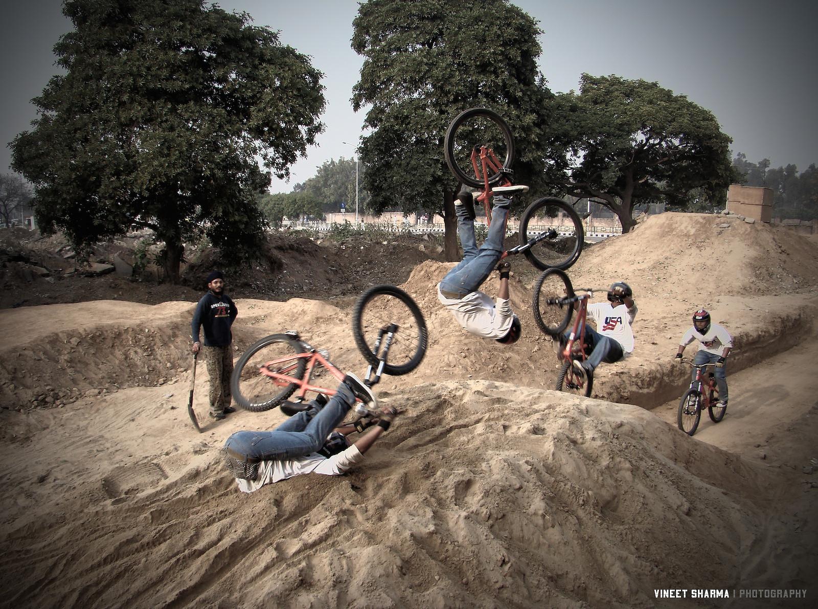 Half flip? - vineetdesigns - Mountain Biking Pictures - Vital MTB
