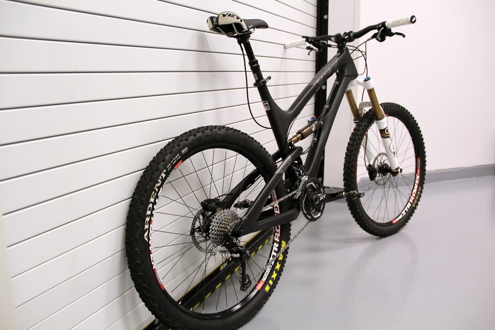 2013 Yeti SB-66 C - dBissett\'s Bike Check - Vital MTB