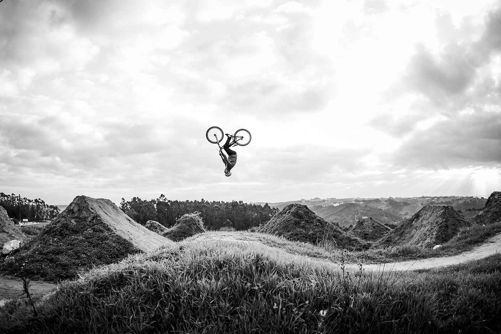 Sandro Silva // Backflip // Gaeiras trails - miguelbento - Mountain Biking Pictures - Vital MTB