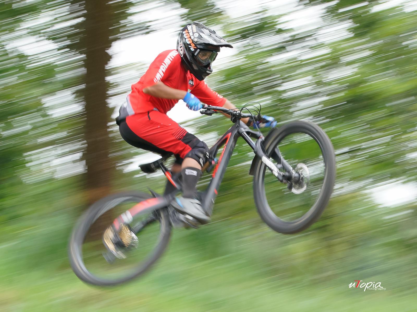 Take off Ditra - utopiaarch - Mountain Biking Pictures - Vital MTB