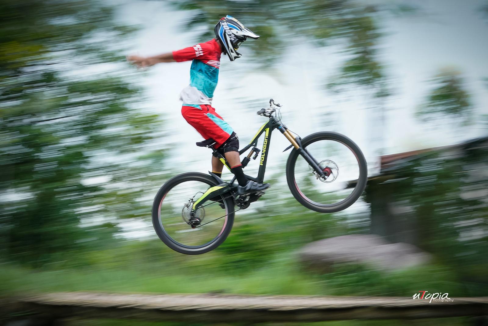 Suicide no hander  - utopiaarch - Mountain Biking Pictures - Vital MTB