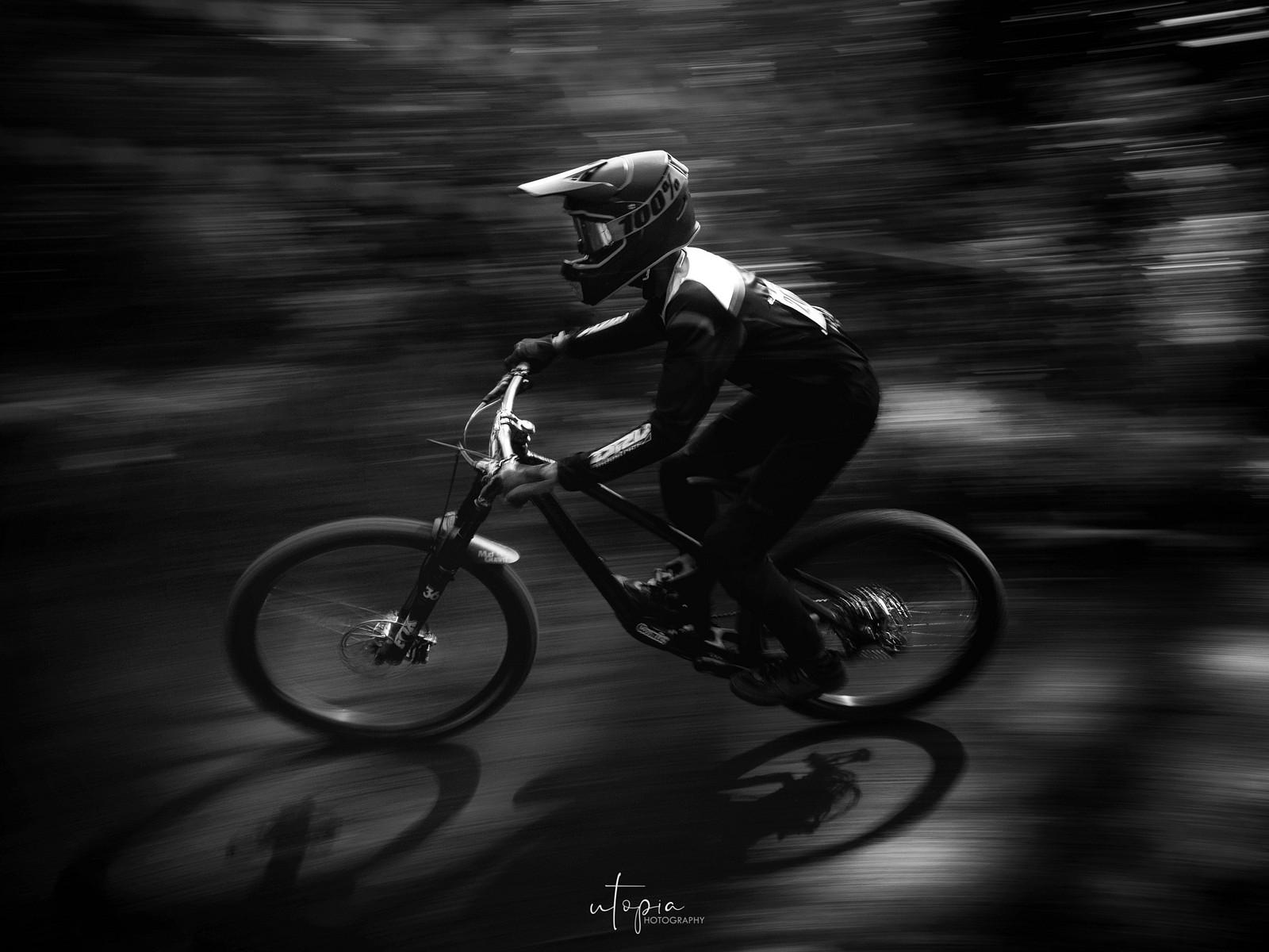 Fast in the dark - utopiaarch - Mountain Biking Pictures - Vital MTB