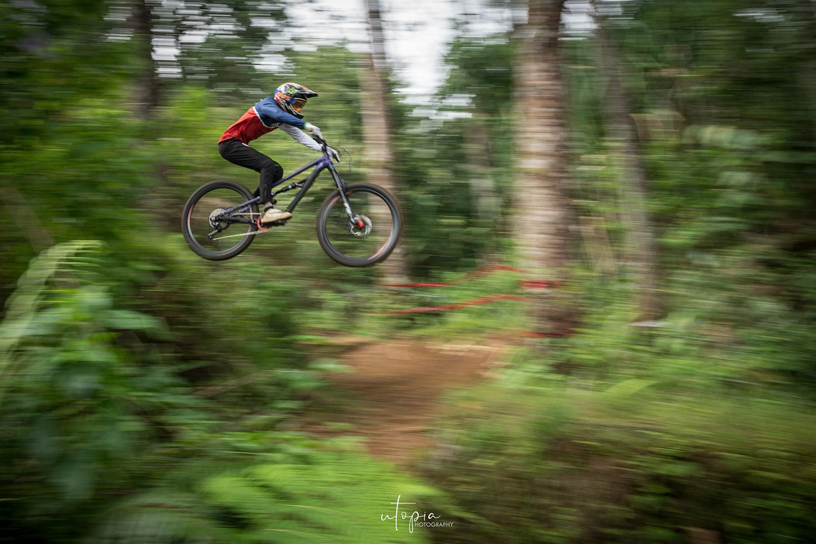 The Blur Jump - utopiaarch - Mountain Biking Pictures - Vital MTB