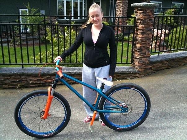 The Ladyfriend - Inthebay - Mountain Biking Pictures - Vital MTB
