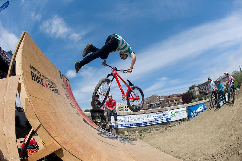 Tailwhip - Christian - Mountain Biking Pictures - Vital MTB