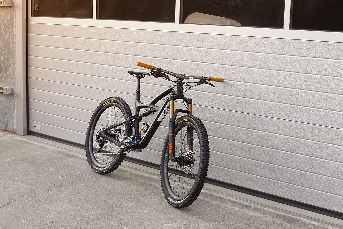 Ibis Mojo 3 - DutchmanPhotos - Mountain Biking Pictures - Vital MTB