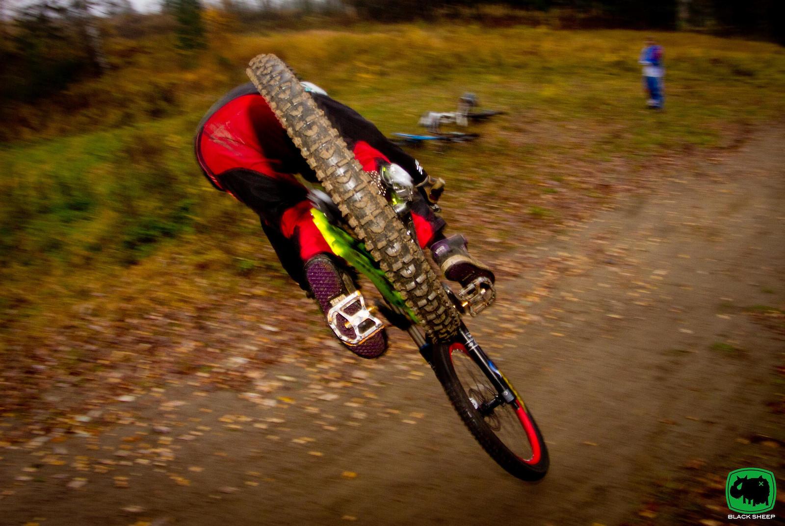 touch down  - blacksheepdesignfinland - Mountain Biking Pictures - Vital MTB
