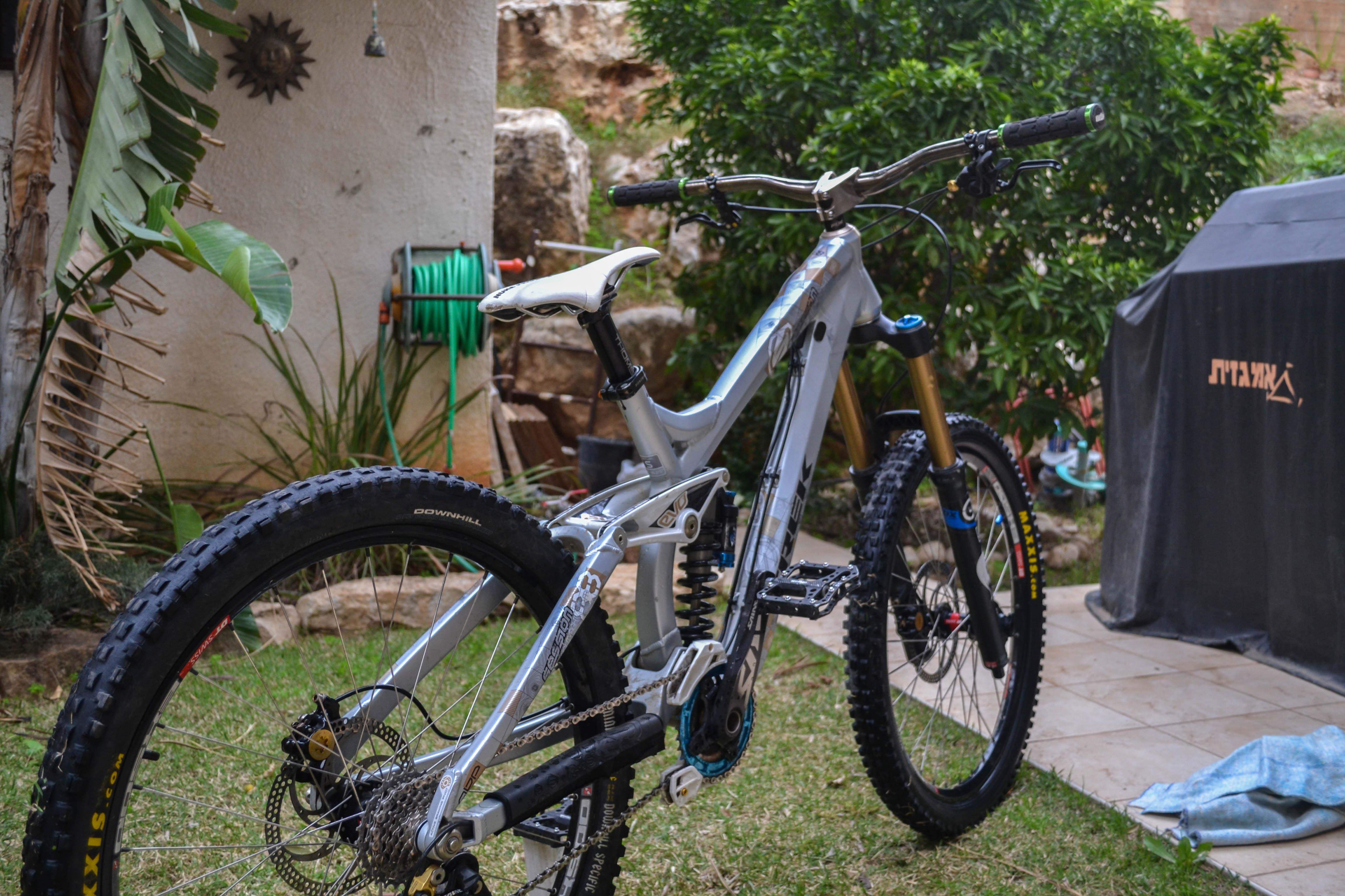 My Trek Session FR - almogYanai12's Bike Check - Vital MTB