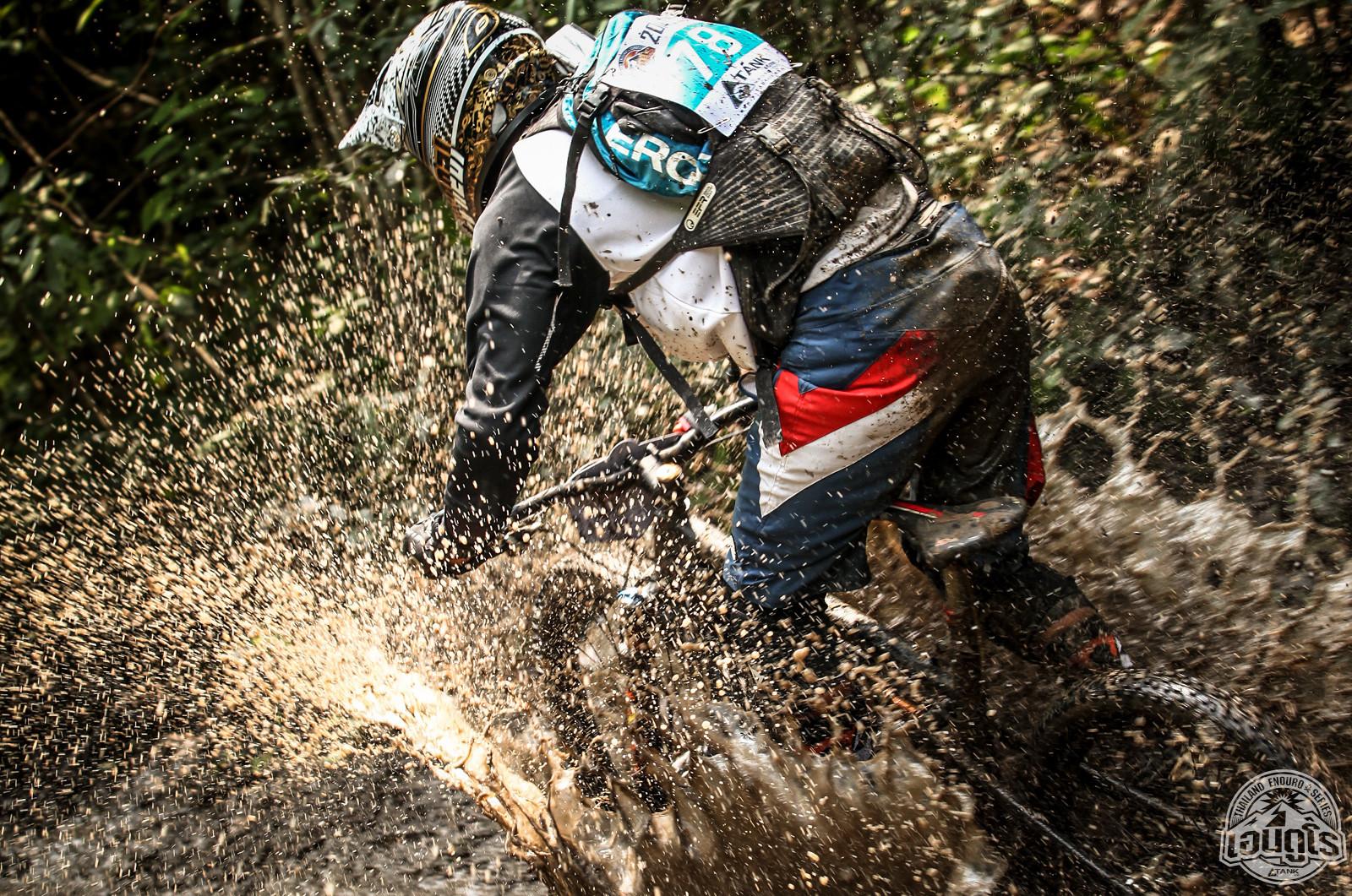 Muddy Splash - TANK01 - Mountain Biking Pictures - Vital MTB