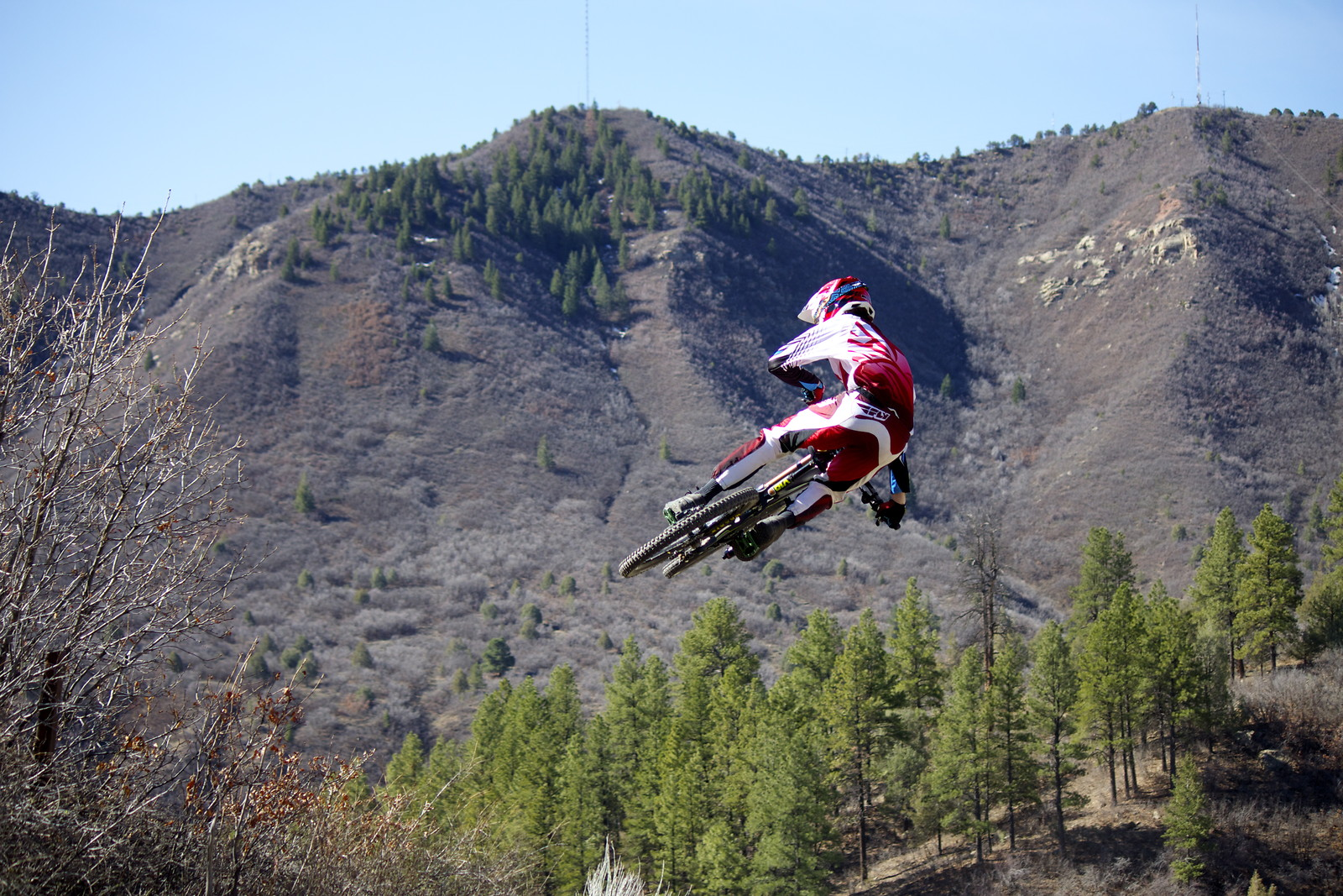 whip the hip - LS3 Aerial - Mountain Biking Pictures - Vital MTB