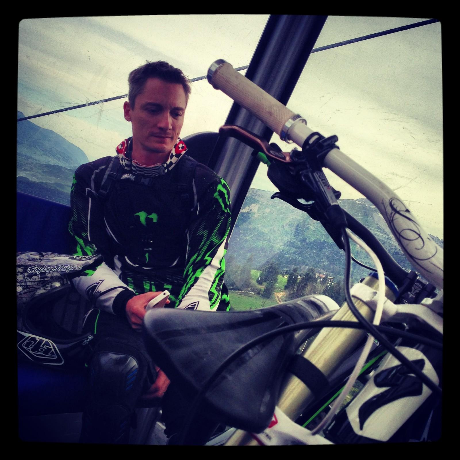 Waiting... - gilles.pfeiffer - Mountain Biking Pictures - Vital MTB
