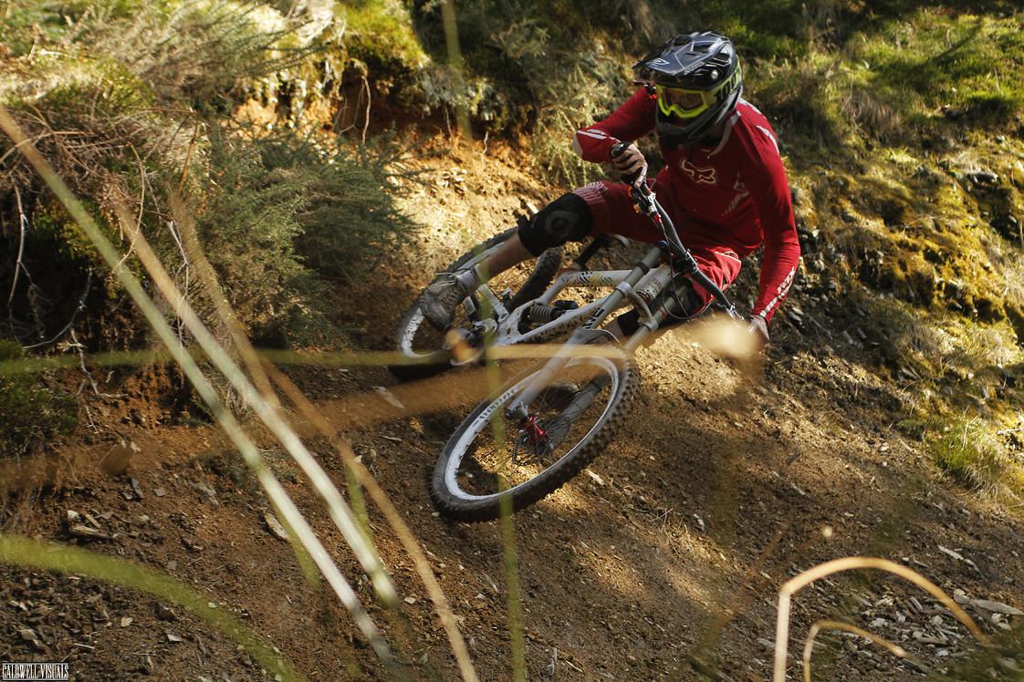 Slaying a natural berm - CaldwellVisuals - Mountain Biking Pictures - Vital MTB