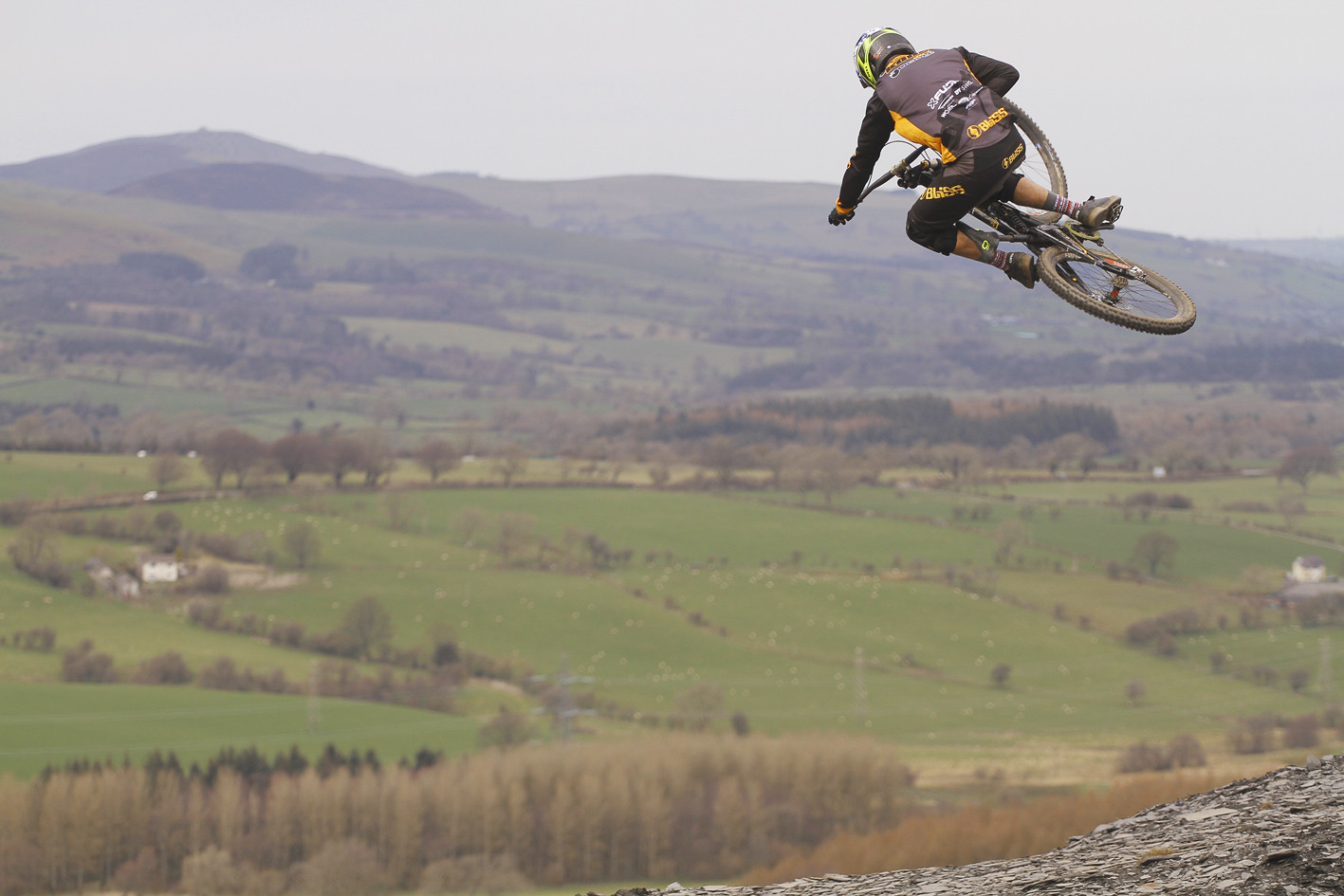 Flying high over North Wales - CaldwellVisuals - Mountain Biking Pictures - Vital MTB
