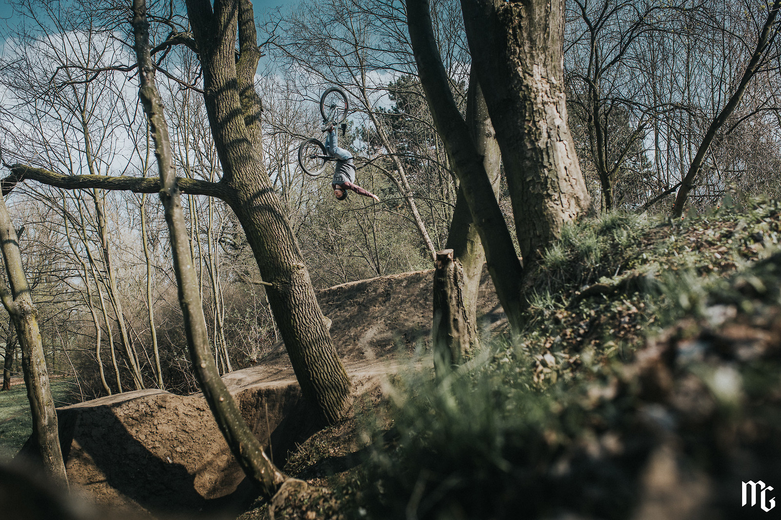 backflip oldie on step up - Kick!Photo - Mountain Biking Pictures - Vital MTB