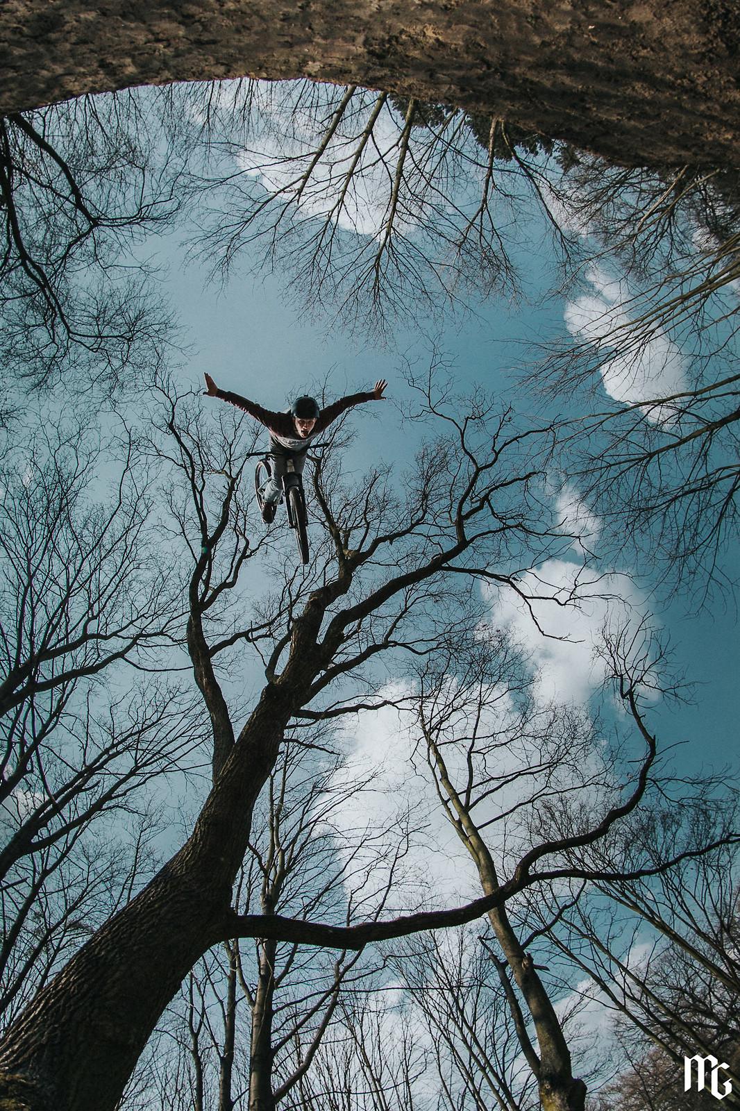 Backflip oldie - Kick!Photo - Mountain Biking Pictures - Vital MTB