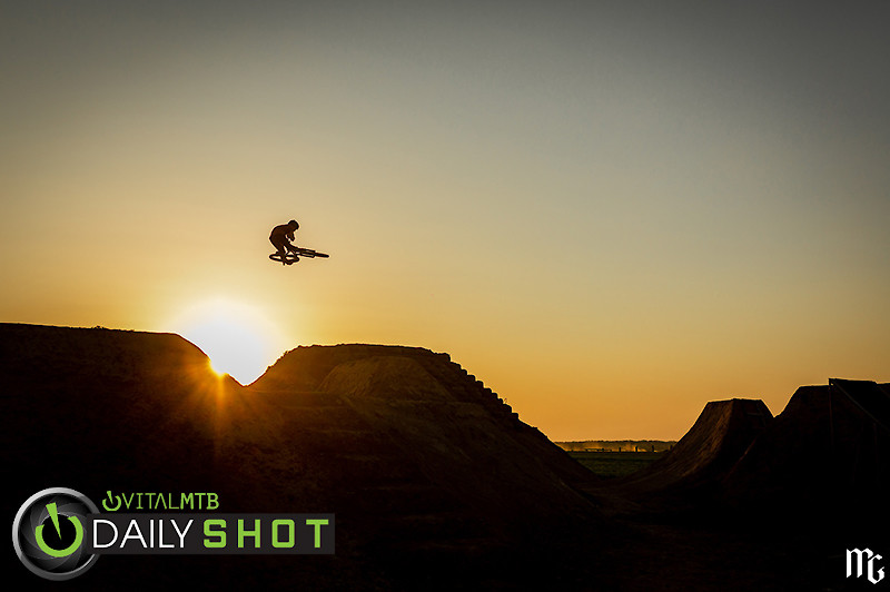 Training session with Przemek Abramowicz - Kick!Photo - Mountain Biking Pictures - Vital MTB