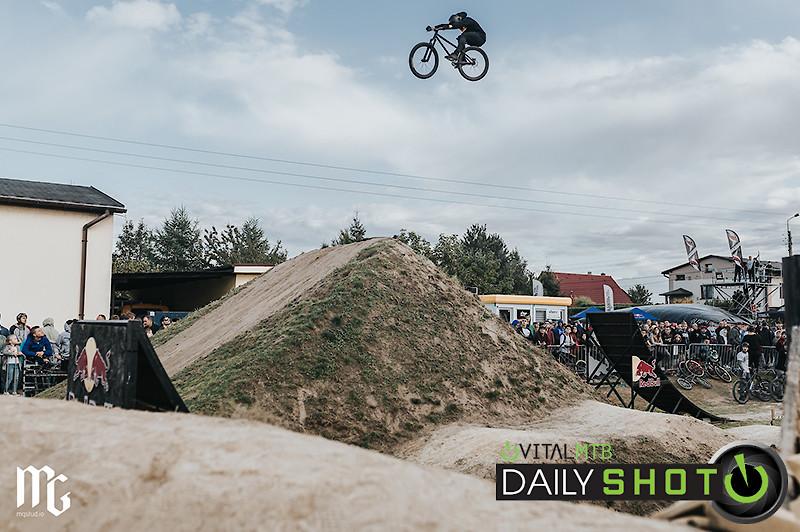 Dirt Piknik - Kick!Photo - Mountain Biking Pictures - Vital MTB