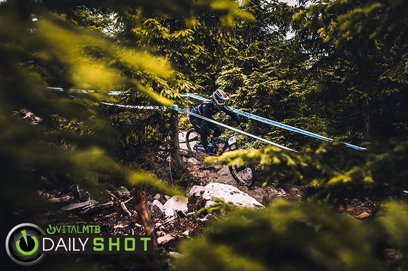 Racing - Kick!Photo - Mountain Biking Pictures - Vital MTB