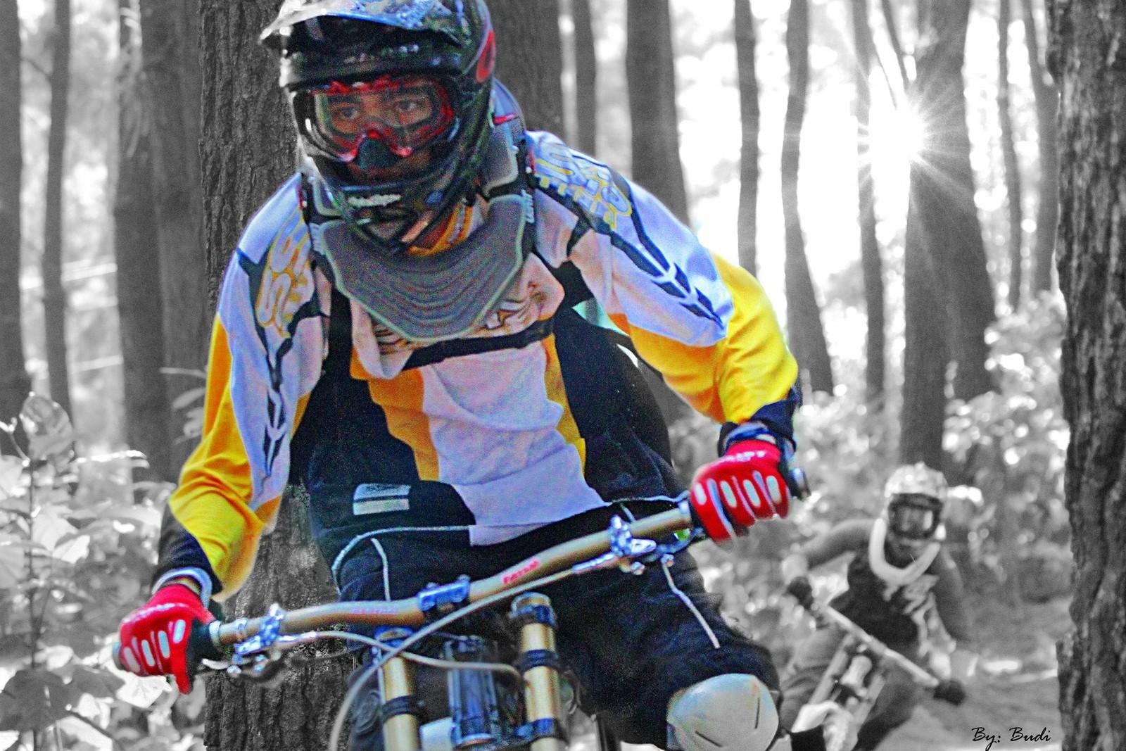 you can't catch me ... - budi - Mountain Biking Pictures - Vital MTB