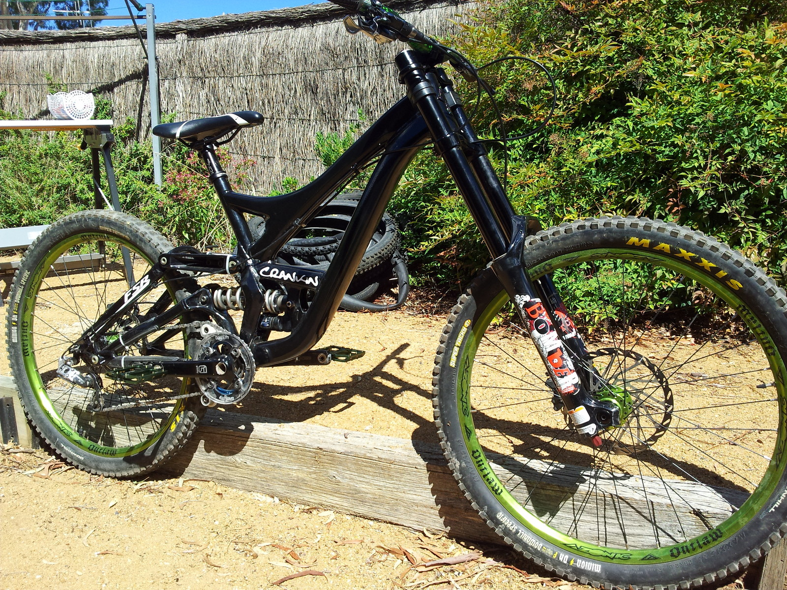 Specialized demo 8 ii 2010 custom paint job joe symons mountain biking pictures vital mtb
