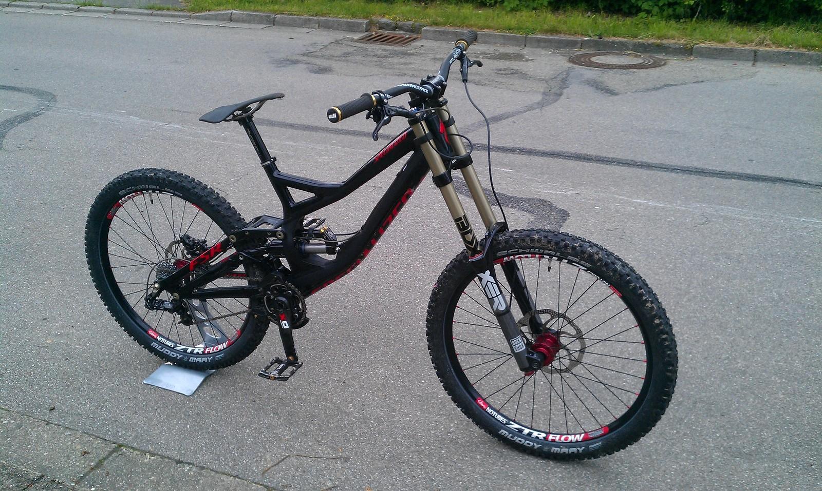 Specialized Demo 8 2013 custom 15,10 kg