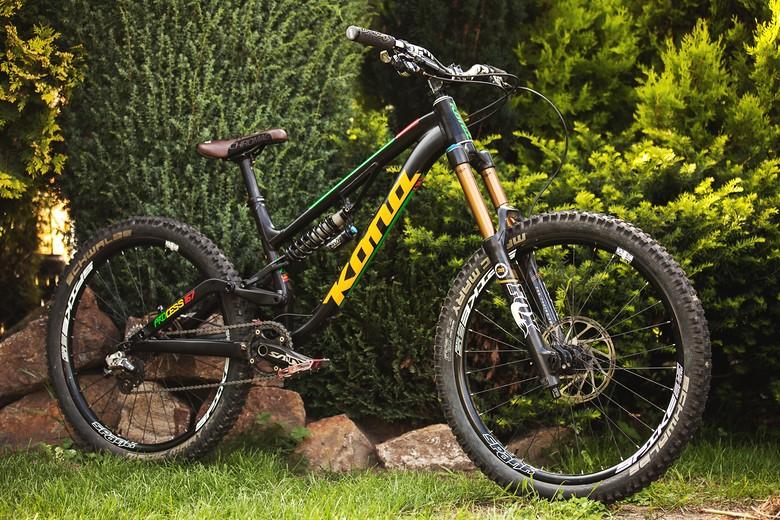 Kona Process 167 - Mad Moss\'s Bike Check - Vital MTB