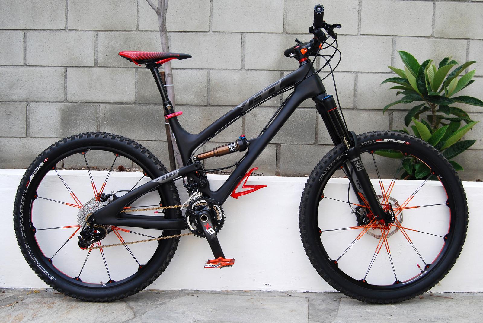 2013 Yeti SB66 - Carbon