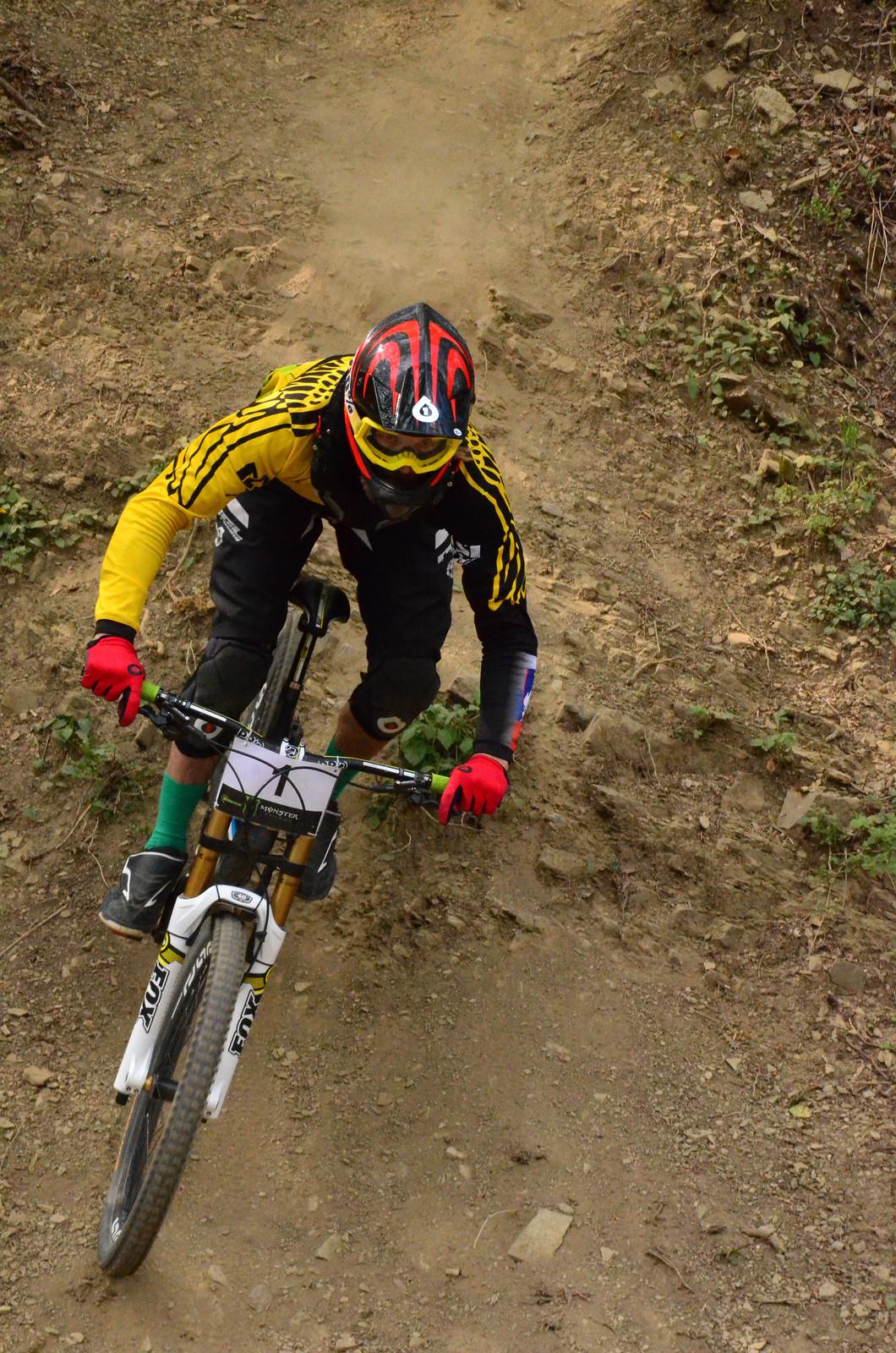 1 - primo - Mountain Biking Pictures - Vital MTB