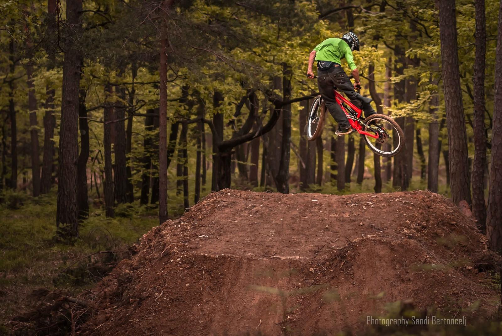 Gregor in the air - berto - Mountain Biking Pictures - Vital MTB