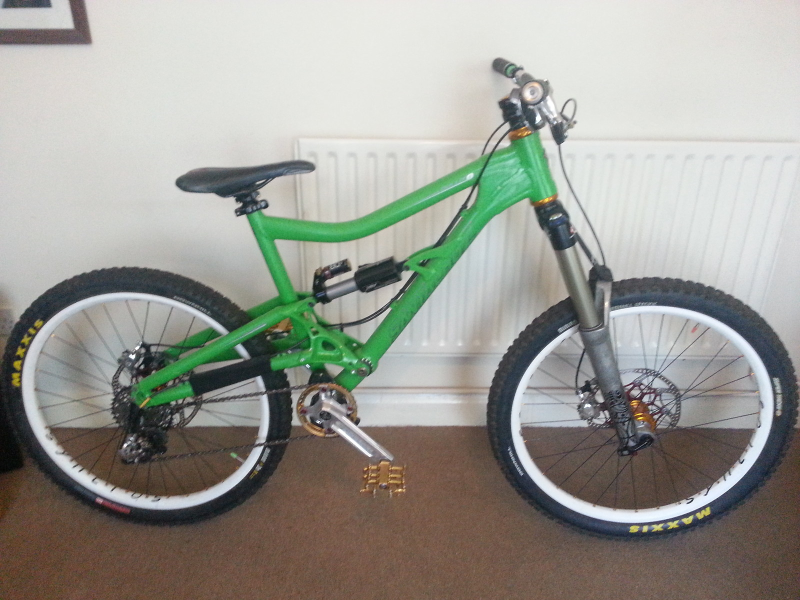 Santa Cruz Bullit MK2 (The Green Goblette)