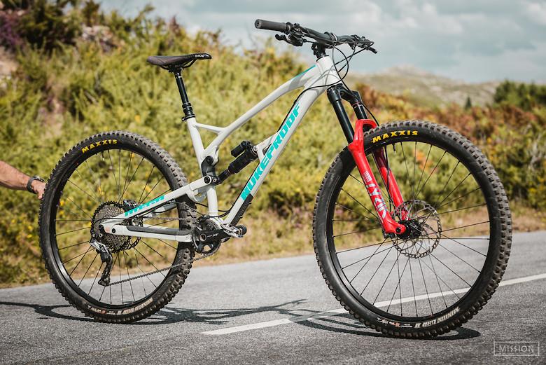 Nukeproof Mega 290 - bikes&beer vs mission custom built
