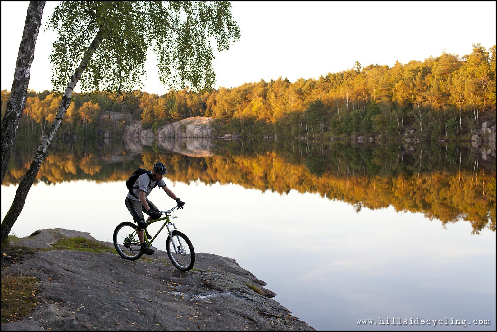 Late summer ride - Hillside Cycling - Mountain Biking Pictures - Vital MTB
