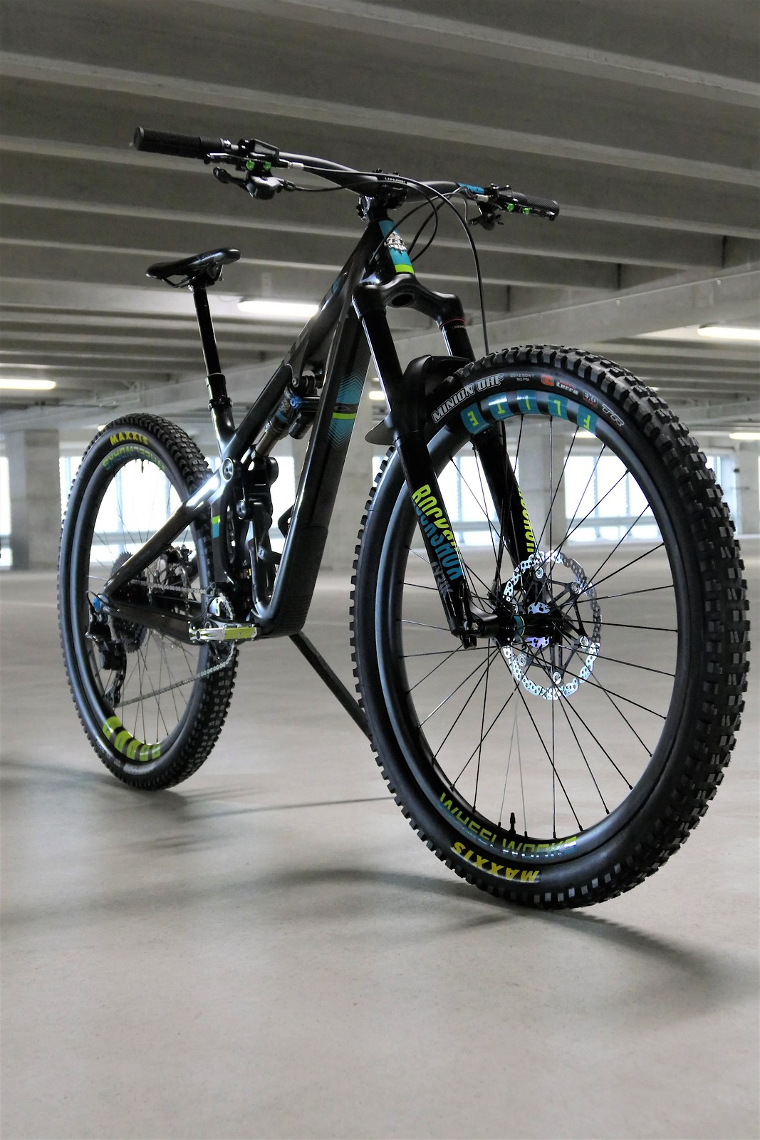 bbf125bc7fa Related: Bike of the Day Enve Composites FOX Hope Technology Maxxis  RockShox Yeti