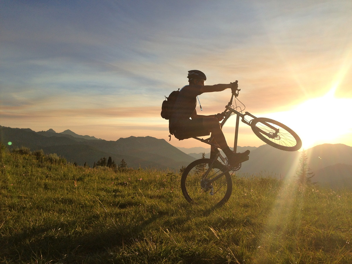 Rocky Mountain Wheelie Hamstring Mountain Biking Pictures