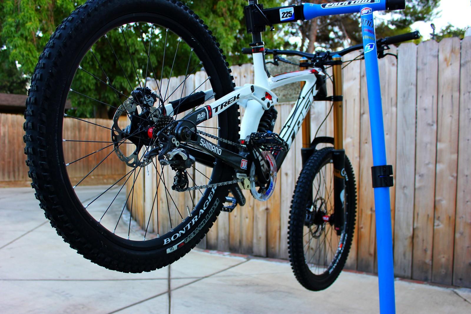 c0f00278f56 Eric Oganesyan's 2013 Trek Session 9.9 - ericlikesbikes's Bike Check ...